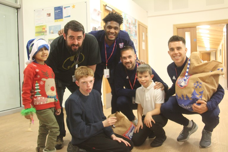 Ipswich Town Stars kick off Christmas for hospice children