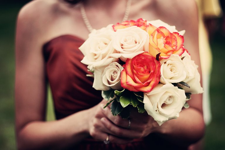 Why Autumn is the perfect season for a romantic wedding