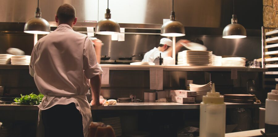 How your restaurant can introduce home food delivery services
